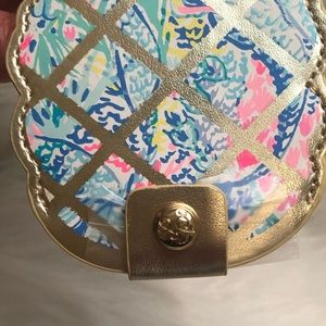 Lilly Pulitzer Accessories - 🎉 SoLD🎉 LILLY PULITZER TAG